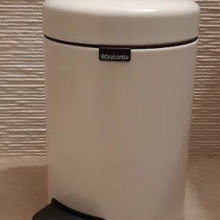 J'ai testé pour vous poubelle de salle de bain blanche