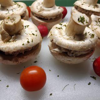 Champignons crus farcis… rapide et délicieux 🍄🍄