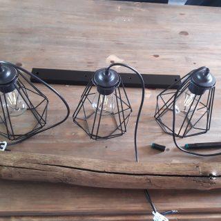 J'ai testé pour vous la lampe tarbes noire E27 de chez Eglo France Luminaires