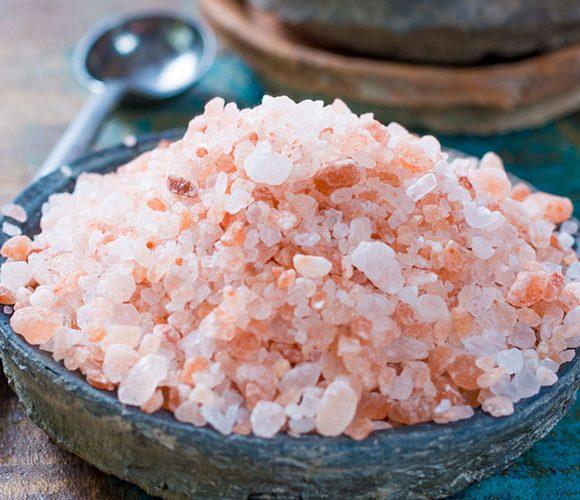 Sel rose de l'Himalaya avec sa recette de légumes au four