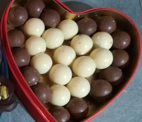 Des sphères en chocolat à croquer!