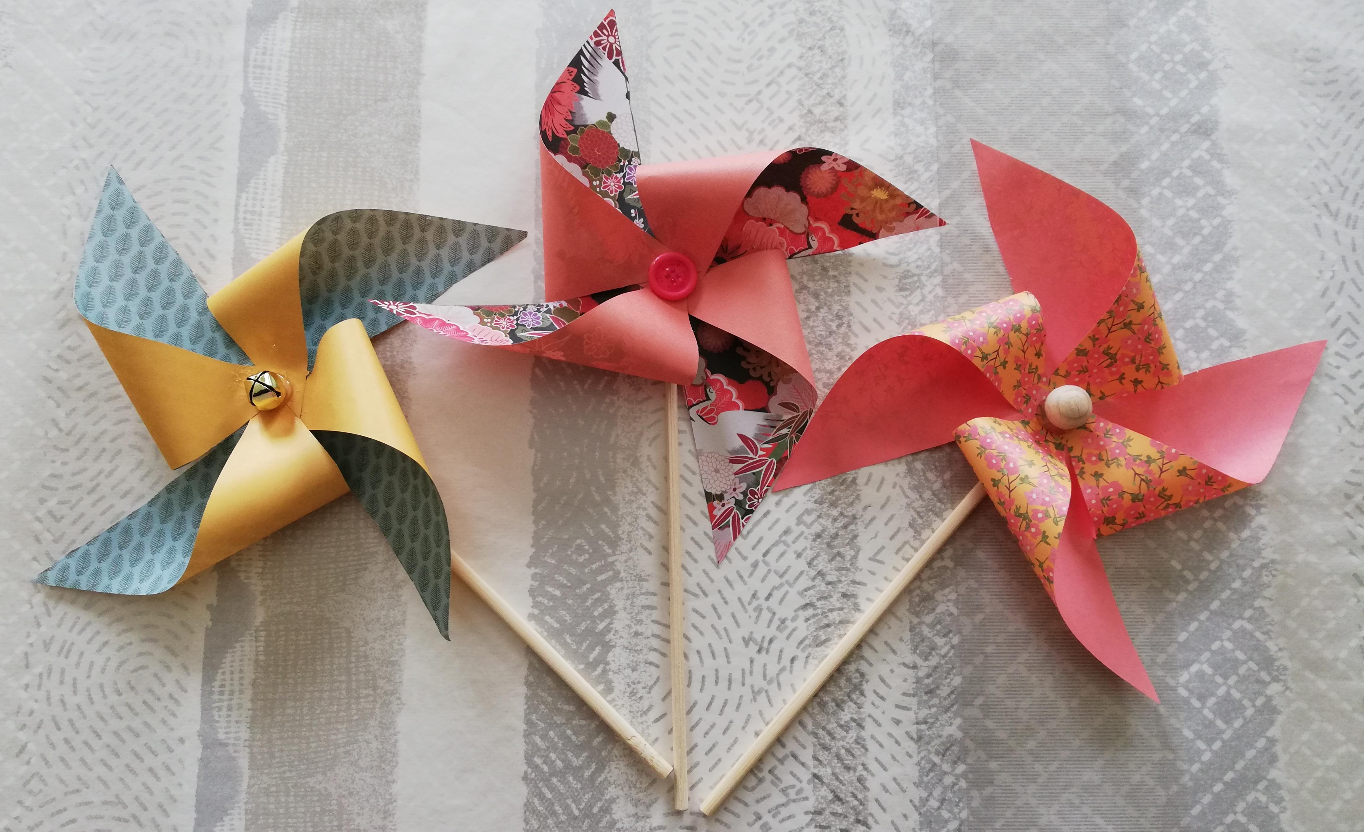 Des moulins en origami pour une déco colorée