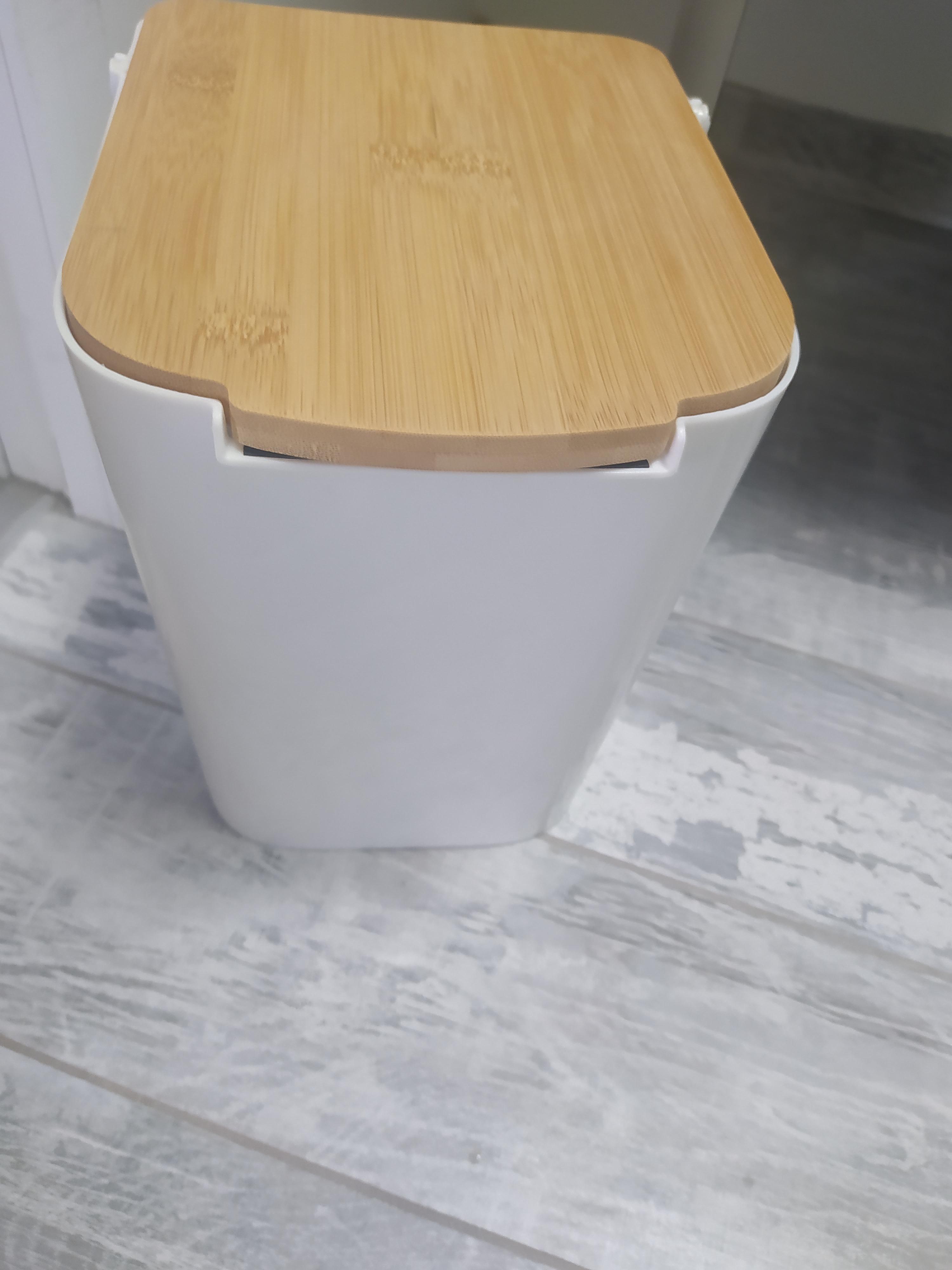 J'ai testé pour vous poubelle blanche 5L couvercle bambou