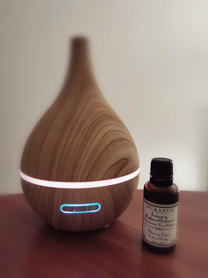 J'ai testé pour vous diffuseur huiles essentielles bois lumineux en forme poire