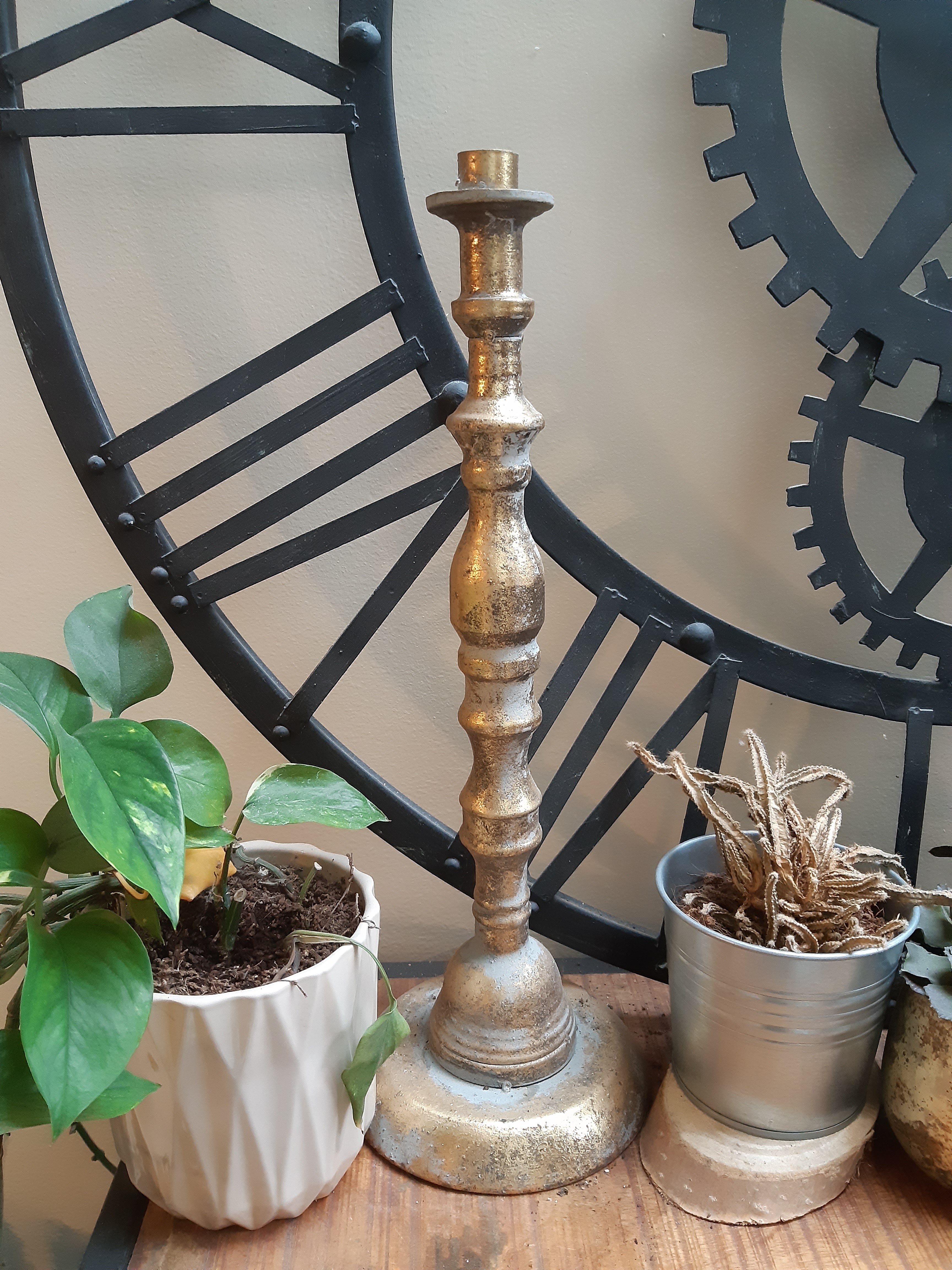 Grands chandeliers en métal