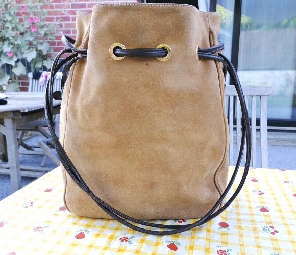 Rénover un vieux sac en daim