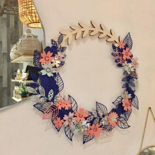 Ma couronne de fleurs papier et bois !