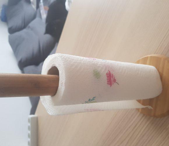 J'ai testé pour vous porte essuie-tout en bambou et inox