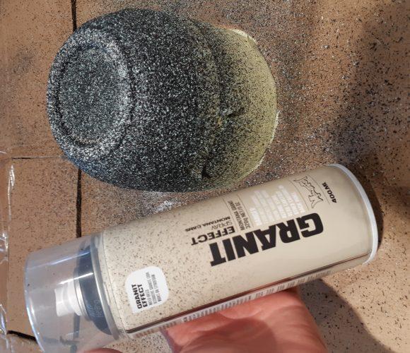 J'ai testé pour vous peinture en bombe effet granite noir Montana