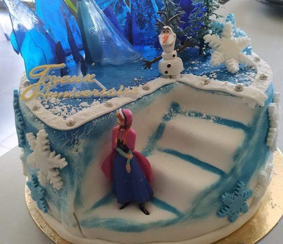 Reine des neiges cake