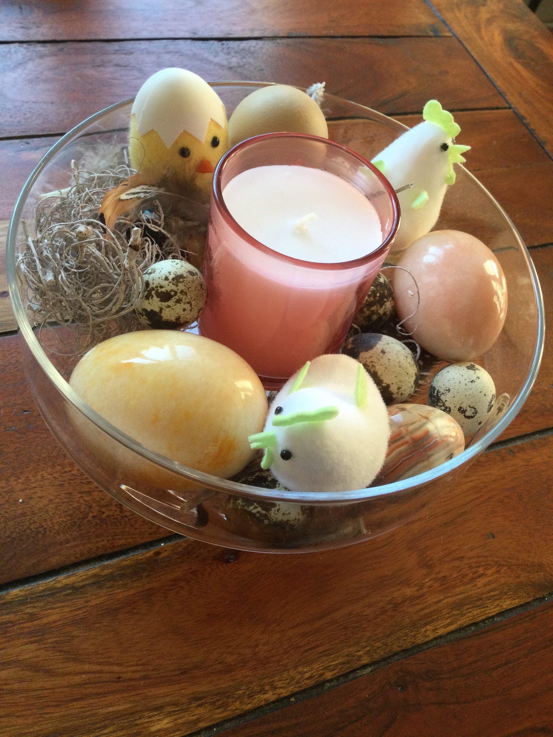 Déco  de Pâques dans le vase en verre Zodio