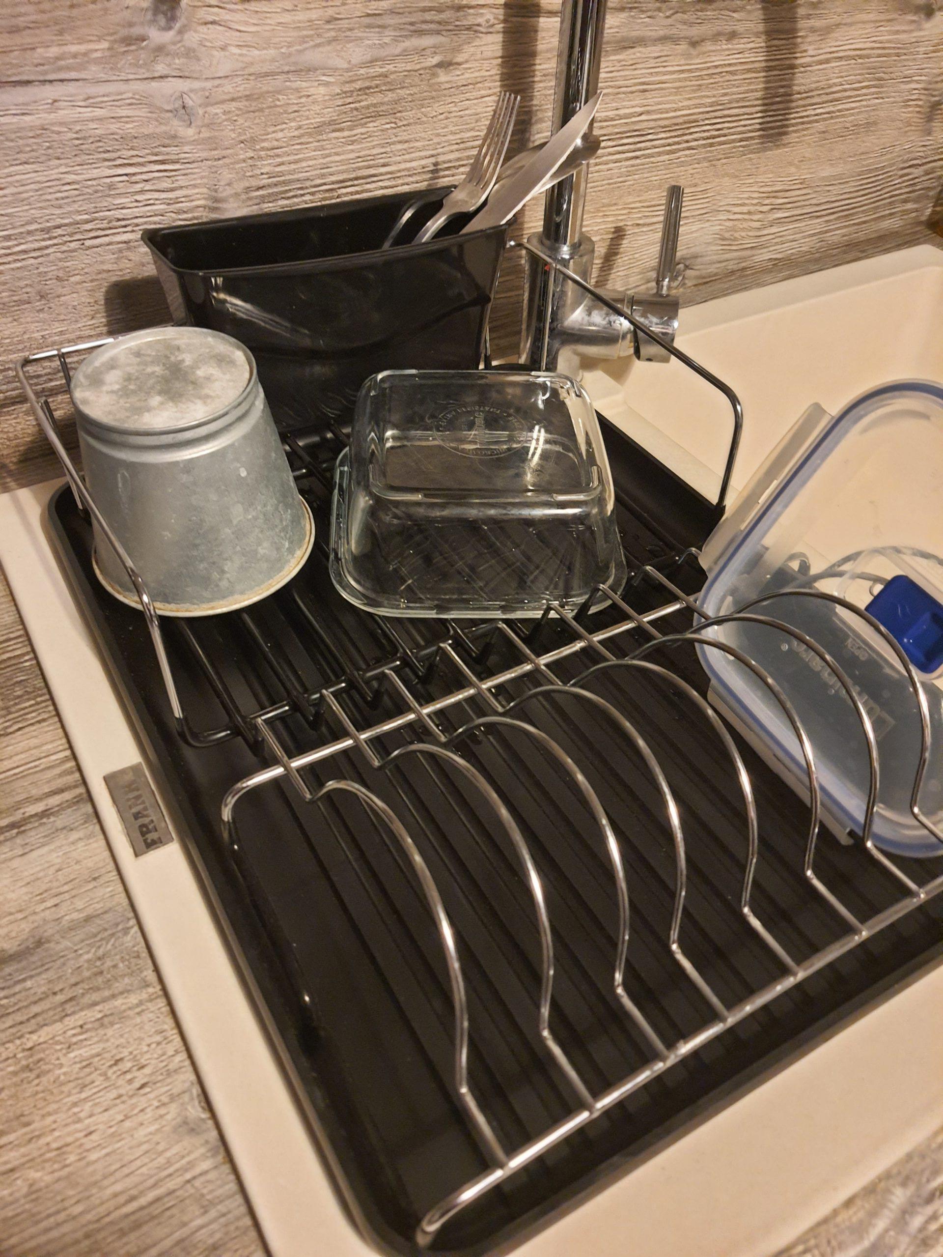 J'ai testé pour vous egouttoir à vaisselle / plateau assorti en matière noir