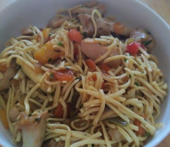 Wok de légumes poulet citron et nouilles chinoises