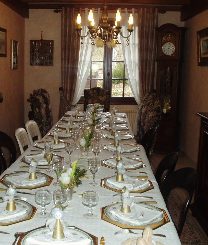 Marque place et d co de tables de no l blog z dio for Table de noel traditionnelle