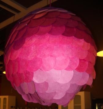une idee a repiquer la boule chinoise decoree de papier blog z dio. Black Bedroom Furniture Sets. Home Design Ideas