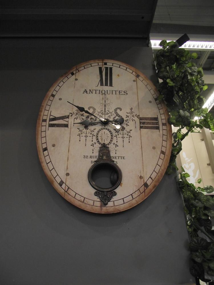 Une horloge id ale pour une salle manger blog z dio for Horloge zodio