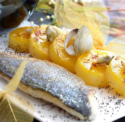Filet de bar rôti, sabayon au champagne et pommes fondantes au safran