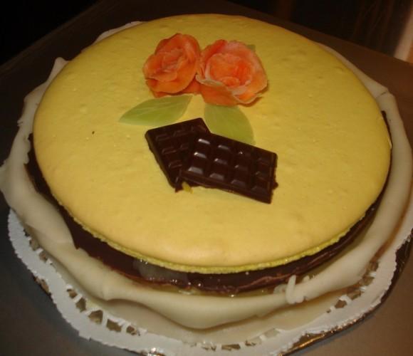 Gâteau macaron ananas