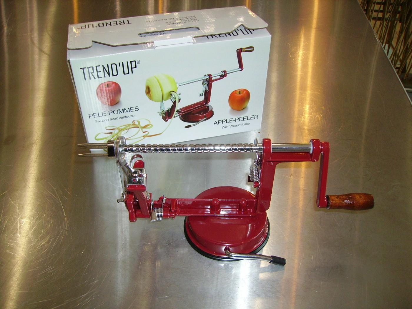 28b6762fce3330 Cuisine J ai testé pour vous le Pèle pommes de chez TREND UP (Blog ...