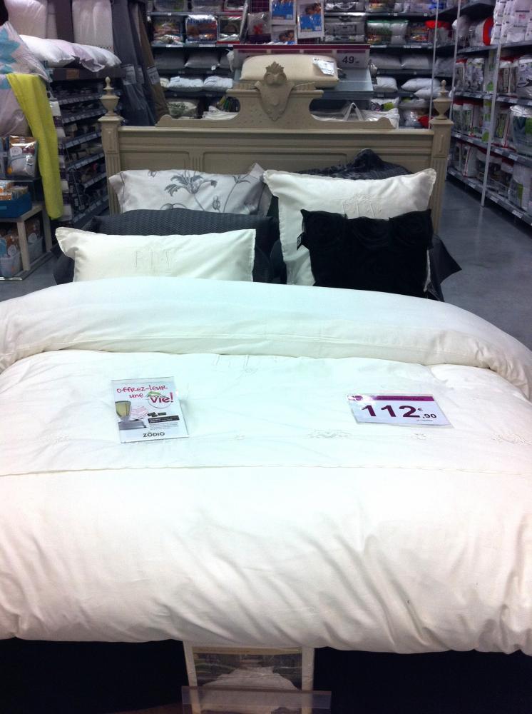 la parure de lit rendez vous blog z dio. Black Bedroom Furniture Sets. Home Design Ideas