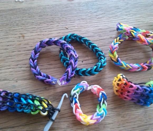 J'ai testé pour vous les bracelets «rainbow loom»