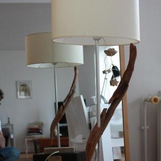 Lampe en bois flotté aérienne