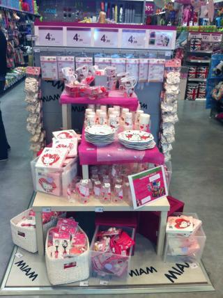 Moi j'invite «Hello Kitty» à mon anniversaire!
