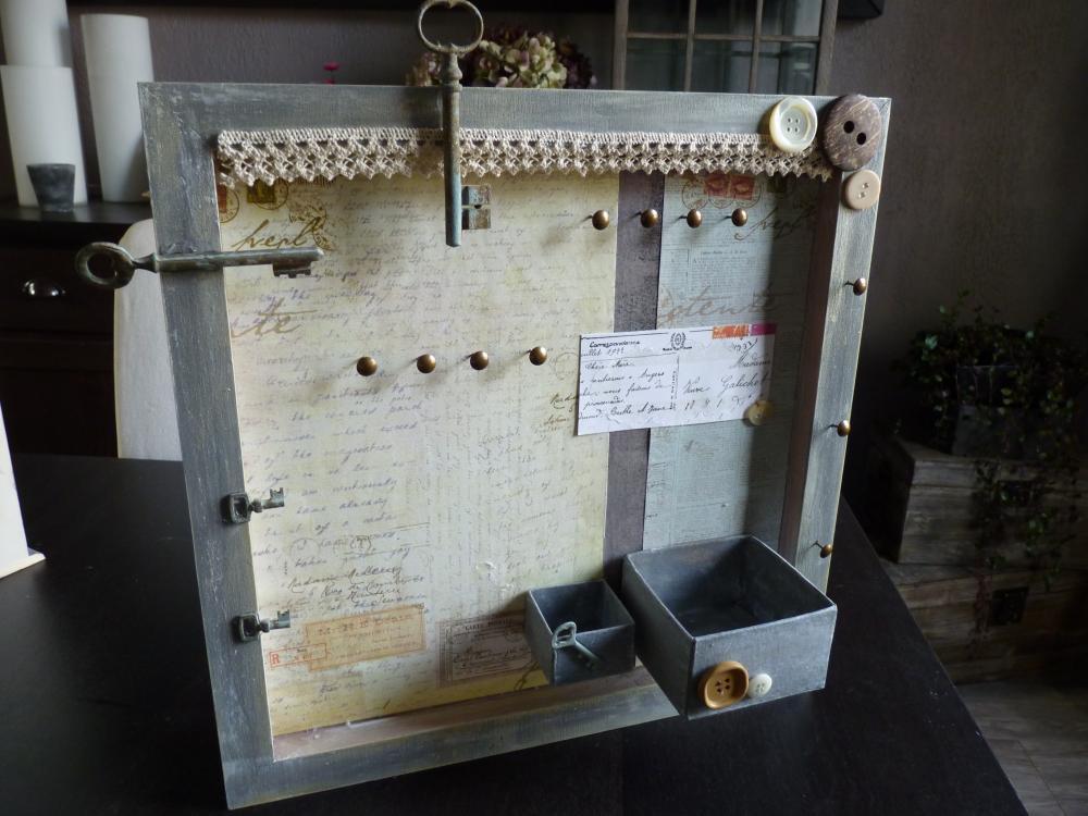 cadre porte bijoux blog z dio. Black Bedroom Furniture Sets. Home Design Ideas