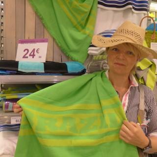 J'ai choisi pour Papa une serviette de plage Brazzil