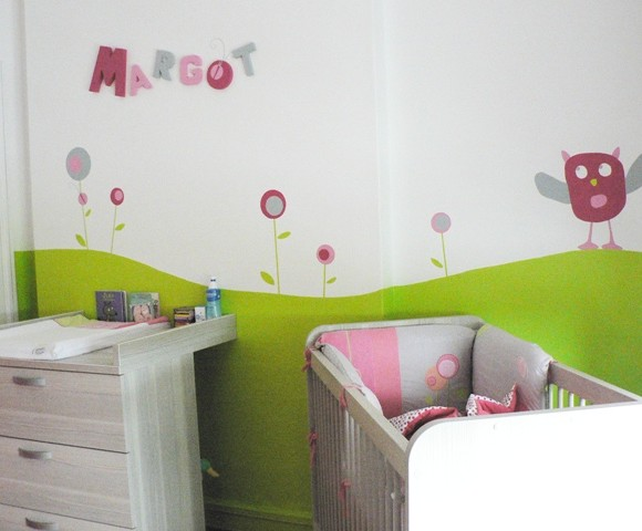 Quelques coups de pinceaux pour la chambre de Margot!