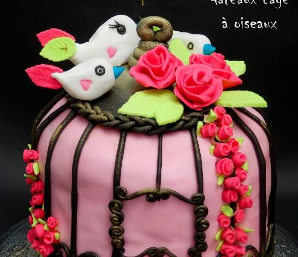 Un gâteau cage à oiseaux en pâte à sucre