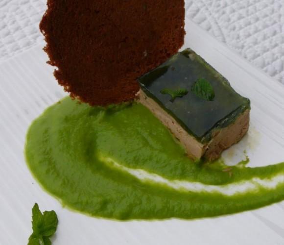 Foie gras, gelée de menthe, purée de petits pois, toast melba
