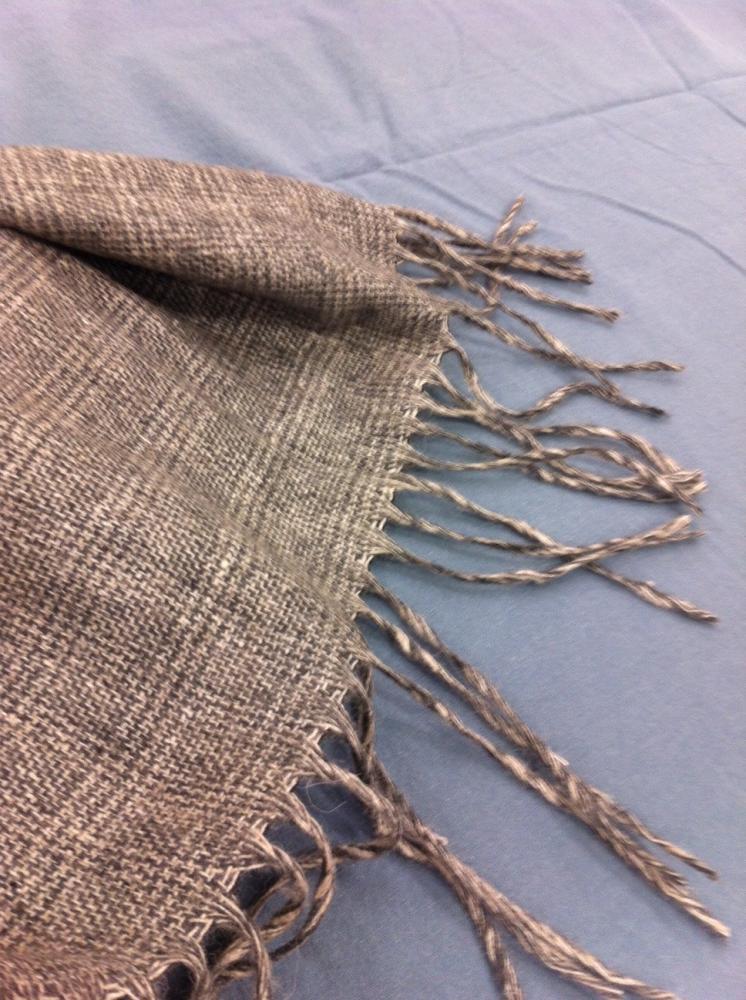 En plus le plaid Suzette est tout doux très souple parce qu il est 100%  laine. Le plaid Suzette 130X170 est à 44€90 chez Zodio cecc8b5be1e