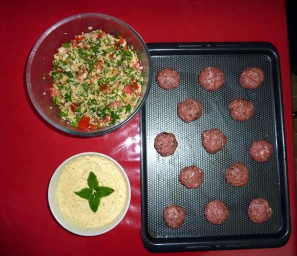 Taboulé libanais, houmous et boulettes d'agneau