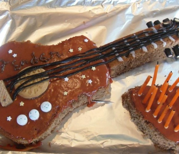 Guitare chocolatée