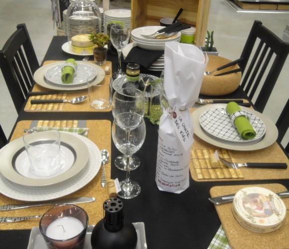 Table «Simple House» pour un dîner entre amis autour du fromage et du vin